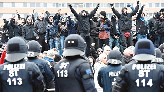 Almanya'da 'kara liste' korkusu