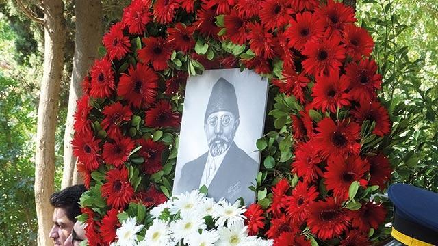 Eski Afganistan Dışişleri Bakanı Mahmud Tarzi mezarı başında anıldı