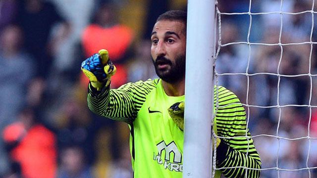 Volkan Babacan Beşiktaş'a imzayı atıyor