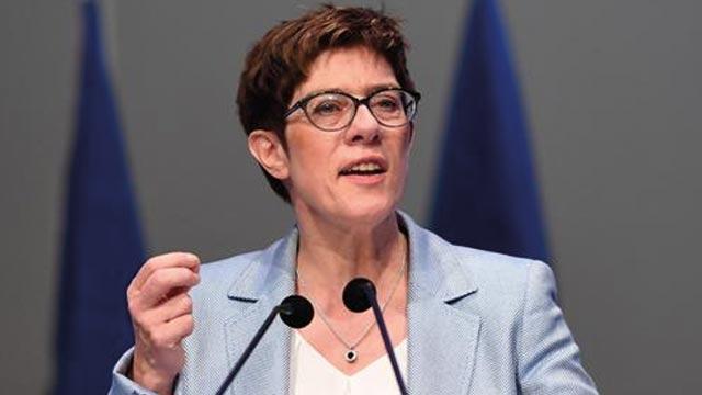 Almanya Savunma Bakanı: Suriye'de güvenlik ve istikrarın sağlanması önemli