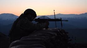 Teröristlerle çıkan çatışmada 1 askerimiz şehit oldu, 2'si ağır 3 askerimiz yaralandı