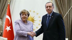 Başkan Erdoğan, Almanya Başbakanı Angela Merkel ile telefonda görüştü