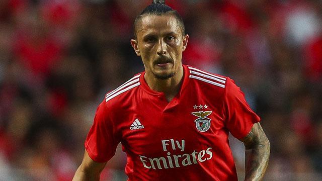 Benfica'dan 4 yıldızına kulüp bul talimatı