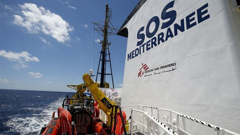 Göçmen kurtaran STK gemisi rotasıyla Akdeniz'e kalp çizdi