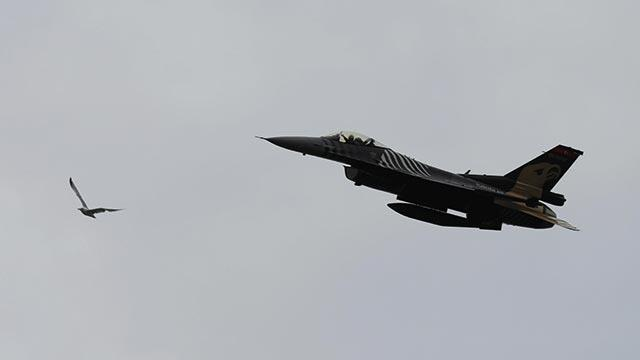 SOLOTÜRK Rize semalarında gösteri uçuşu yaptı