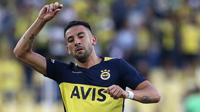 Fenerbahçe'de Isla 4 hafta forma giyemeyecek