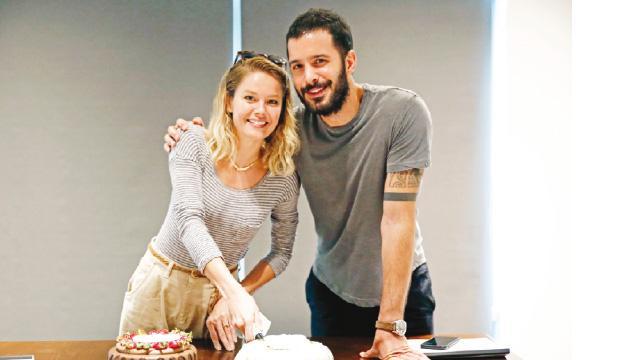 Okuma provasında pastalı kutlama