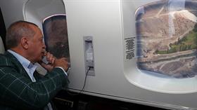 Başkan Erdoğan Yusufeli Barajı inşaatını havadan inceledi