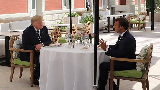 Macron ve Trump öğle yemeğinde buluştu