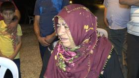 Emine Bulut'un annesi çekim yapanlara ve orada bulunanlara böyle isyan etti: Hiç mi Müslüman yokmuş karşısında