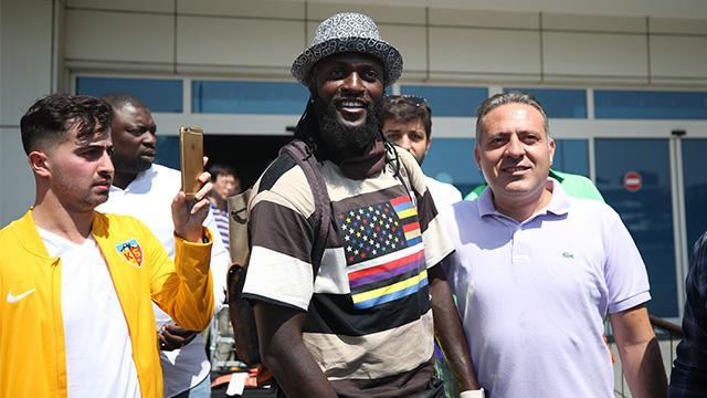 Adebayor Kayseri'ye geldi