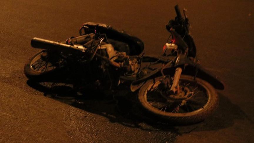 İzmir'de otomobilin çarptığı motosikletteki karı koca öldü