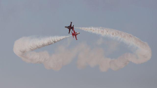 Pilotlar Sivrihisar'da gökyüzünü renklendirdi