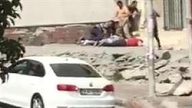Son Dakika... İstanbul Avcılar'da güpegündüz silahlı çatışma: 1'i kadın 3 kişi vuruldu