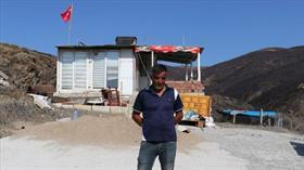 Yangında eşyalarından önce Türk bayrağını kurtardı
