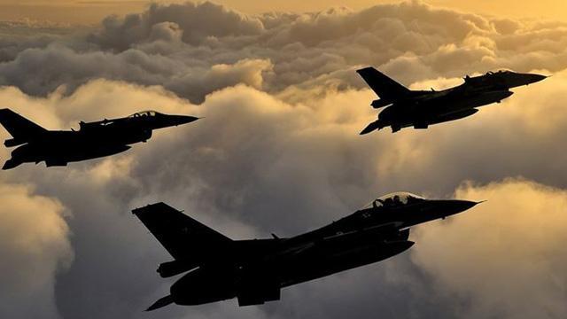 Irak'ın kuzeyinde süren Pençe-3 Harekatı kapsamında belirlenen 4 EYP imha edildi
