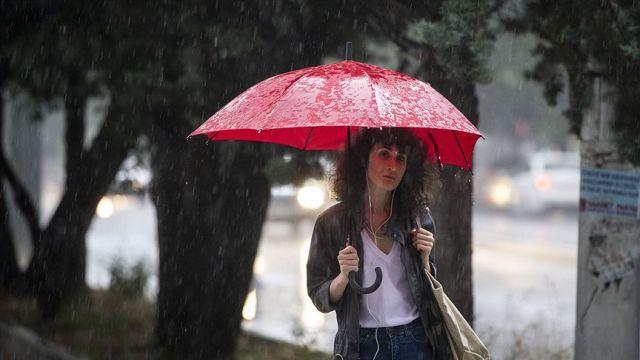 Hava durumu: Meteorolojiden kuvvetli rüzgar, fırtına ve sağanak uyarısı