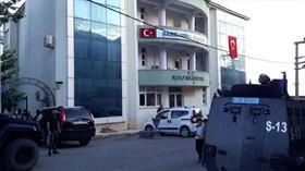 Kandil'in siyasi kanadı HDP'nin Diyarbakır Kulp Belediye Başkanı ve 4 kişi tutuklandı