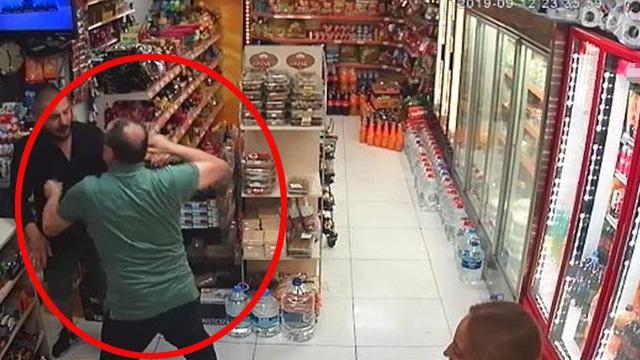 Beyoğlu'nda marketten para çalan hırsız sert kayaya çarptı