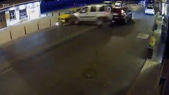 İstanbul'da alkollü sürücü terörü! Taksideki kadın korkudan bakın ne yaptı!