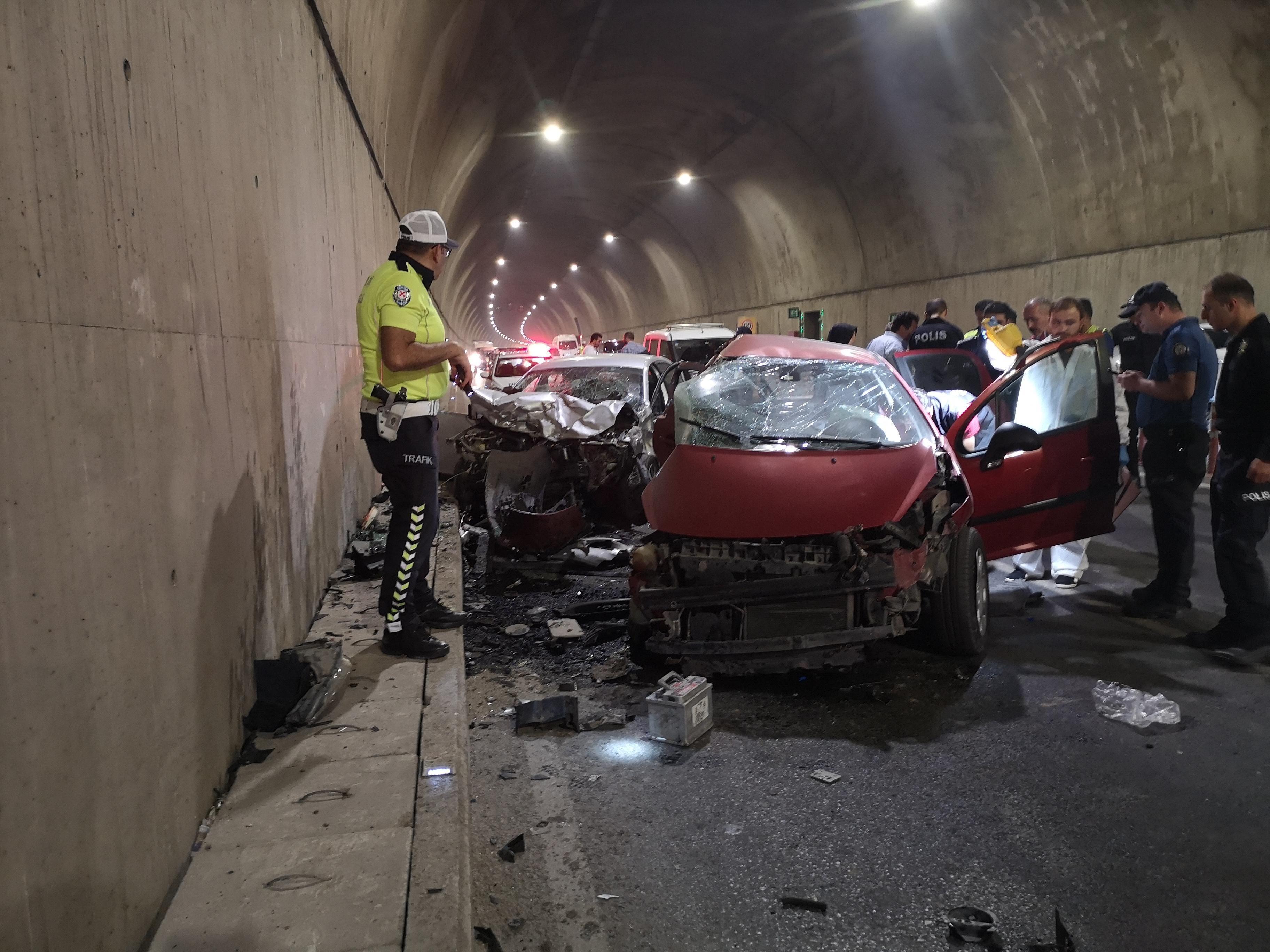 Pendik'te feci kaza: Çantasını eline aldı, dakikalarca bırakamadı