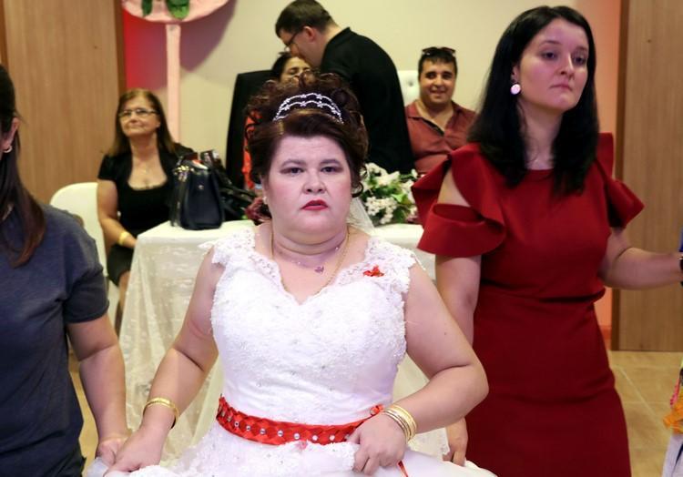 Engelli kızın gelinlik hayali gerçek oldu