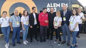 Selçuk Bayraktar, TEKNOFEST alanında Alem FM'in konuğu oldu