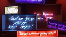 Neon'ları konuşturan 'Absürt' sergi sanatseverleri bekliyor