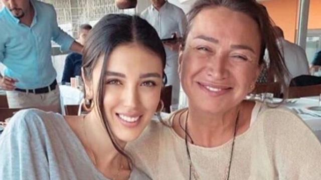 Arda Turan'ın manevi annesi Demet Akbağ, Özlem Ada Şahin'le buluştu