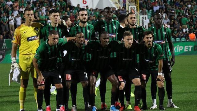 Kendi evinde Konyaspor'a mağlup olan Denizlispor'da futbolculara ceza geliyor