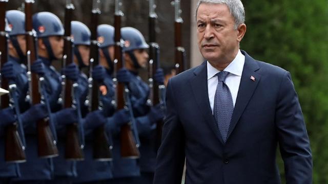 Bakan Akar, Yunan mevkidaşı Panagiotopoulos ile telefon görüşmesi gerçekleştirdi