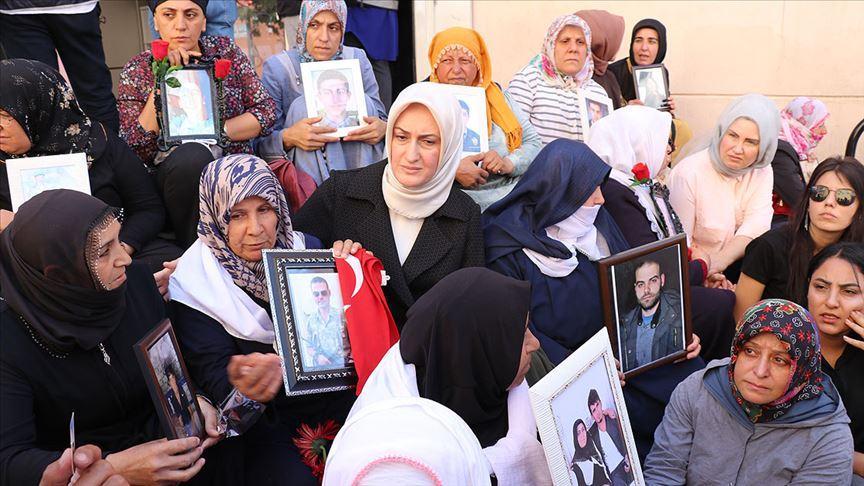 KADEM'den Diyarbakır annelerine ziyaret
