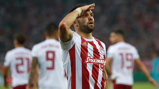 Valbuena Olympiakos'u ayağa kaldırdı