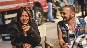 Sette aşk tazelediler... Ahmet Kural, Çağla'ya bakıyor!