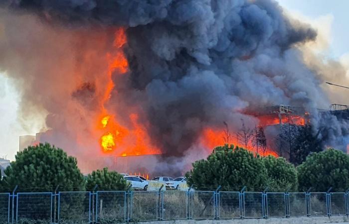 Tuzla'da fabrikadan yeniden alevler yükseldi