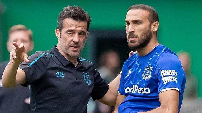 Cenk Tosun, Everton taraftarlarını ikiye böldü
