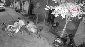 Açık havada ailesiyle uyuyan çocuğu kaçırmaya çalışırken yakalandı