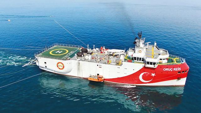 Oruç Reis savaş gemimizle Yunan'a ilerliyor! Telaş halindeler
