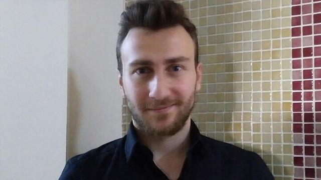 Taklitçi Sefa Doğanay, adresine posta gönderen öğretmene hakaret davası açtı