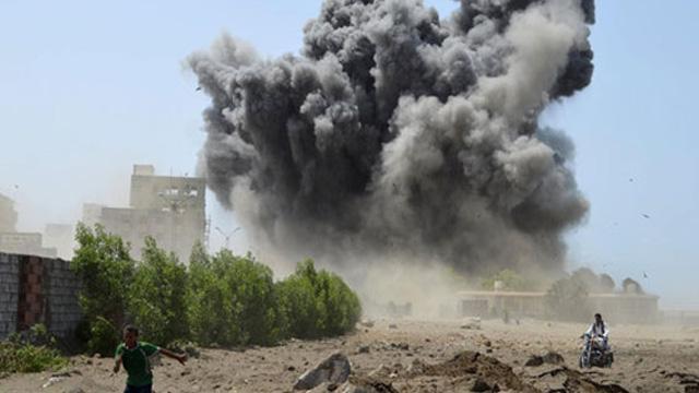 Suudi Arabistan, Hudeyda kentindeki Husileri bombaladı