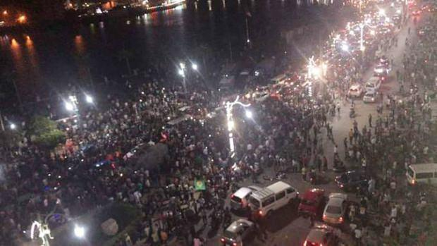 Mısır'da halk sokağa indi! Gösteriler 10 şehre daha sıçradı!