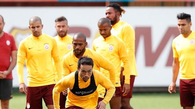 Galatasaray'da Selçuk İnan ve Sofiane Feghouli, Yeni Malatyaspor maçı kadrosuna dahil edilmedi