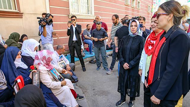 BBP'den Diyarbakır annelerinin HDP İl Başkanlığı önündeki oturma eylemine destek