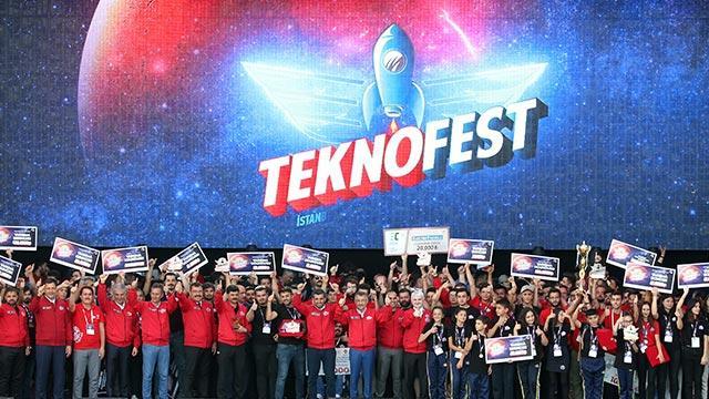 TEKNOFEST 1 milyon 720 bin kişiyle rekorları alt üst etti! Dünyanın en büyük Havacılık, Uzay ve Teknoloji Festivali oldu