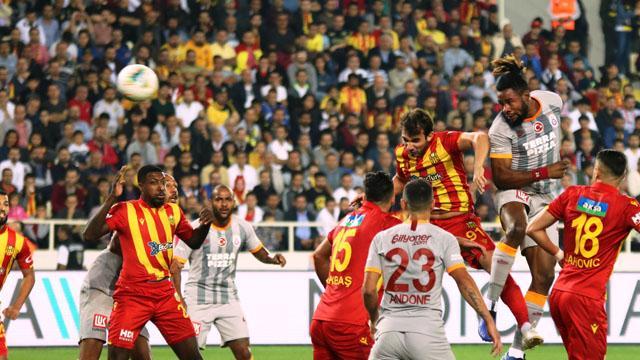 Galatasaray'ın stoper ikilisi taraftarları çıldırtmaya devam ediyor