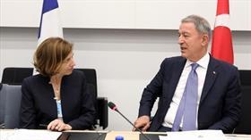 Bakan Akar, Fransa Savunma Bakanı Parly ile telefonla görüştü