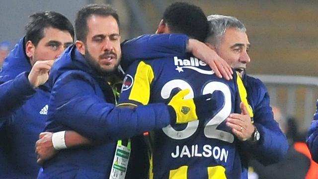 Ersun Yanal, Emre Belözoğlu'nun sakatlığı sonrası Jailson'u orta saha, Serdar Aziz'i stopere çekecek