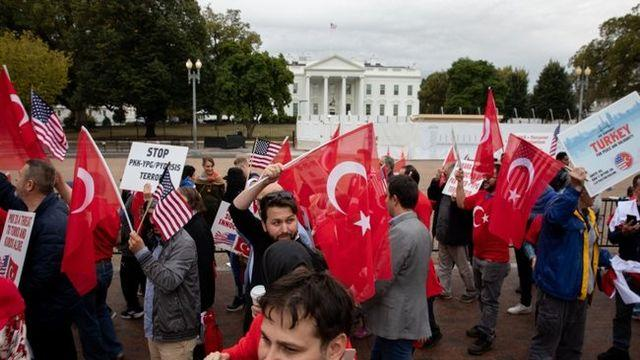 ABD'deki Türklerden Barış Pınarı Harekatı'na destek