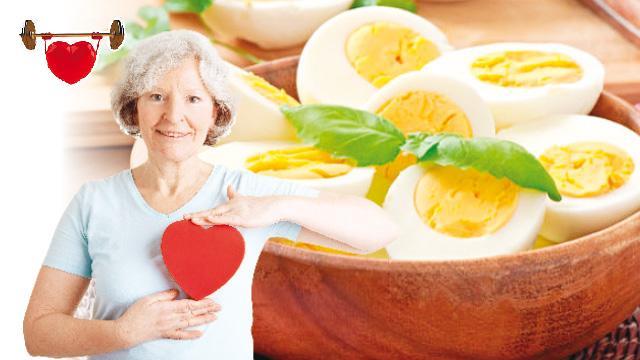 İki yumurta kalbi de gözü de korur