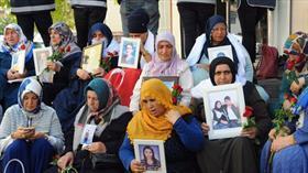 'Diyarbakır anneleri'nin oturma eylemine destek ziyaretleri